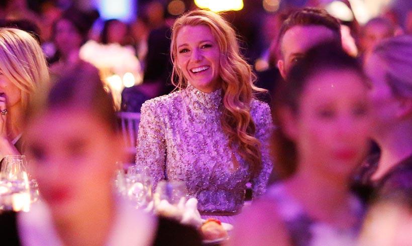 Una 'nueva' Blake Lively, la sensualidad de Ratajkowski… y otros detalles de la gala amfAR
