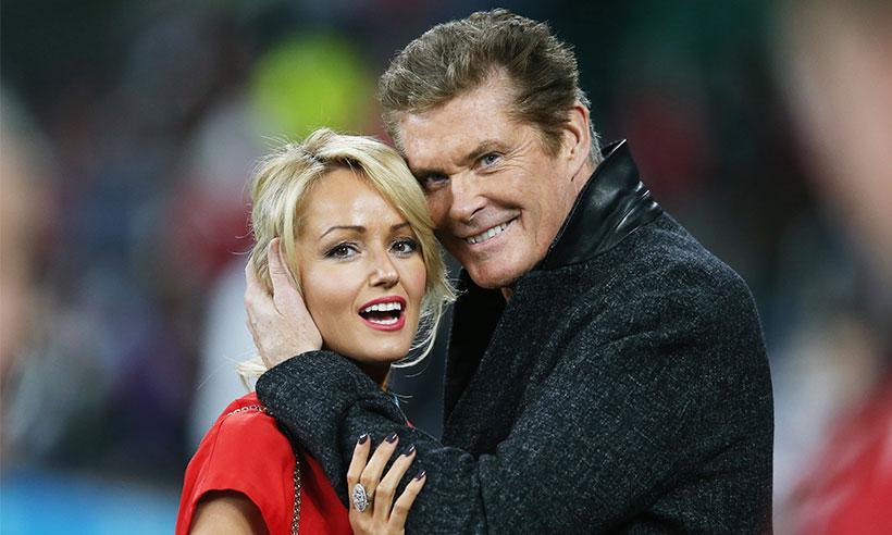David Hasselhoff se comprometió con su novia Hayley Roberts