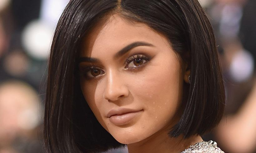 Ladrones roban 'lipsticks' de la línea de Kylie Jenner de los buzones