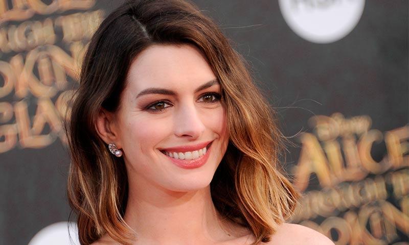 Anne Hathaway confiesa que tuvo un gran 'crush' con Leonardo DiCaprio