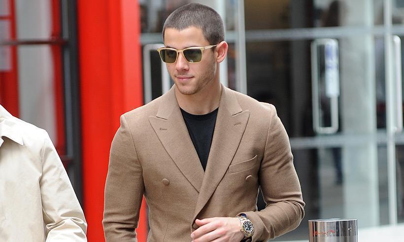 Nick Jonas reacciona ante rumores de relación con Lily Collins