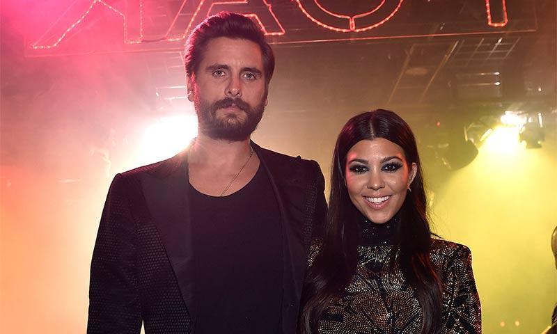 Kourtney Kardashian encabeza las felicitaciones a Scott Disick