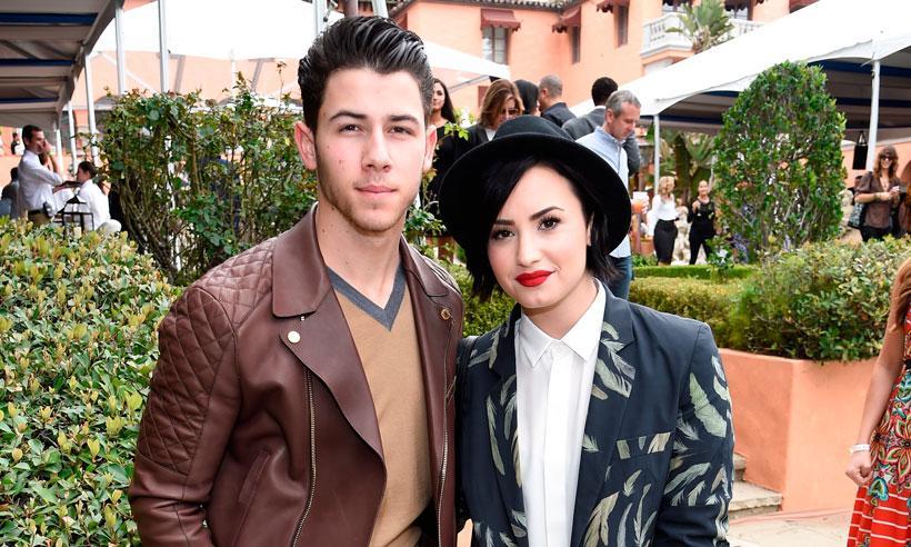 Nick Jonas, un 'BFF' siempre al pendiente de la salud de Demi Lovato