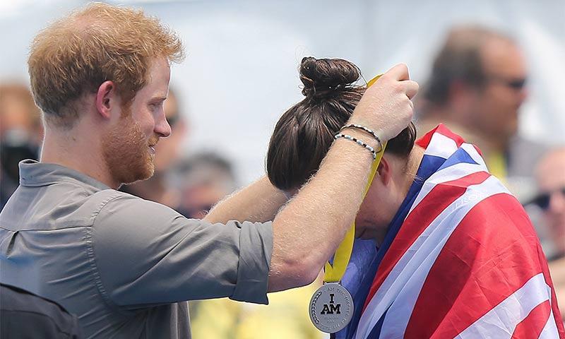 El Príncipe Harry a punto de cumplir su promesa a la Teniente Elizabeth Marks