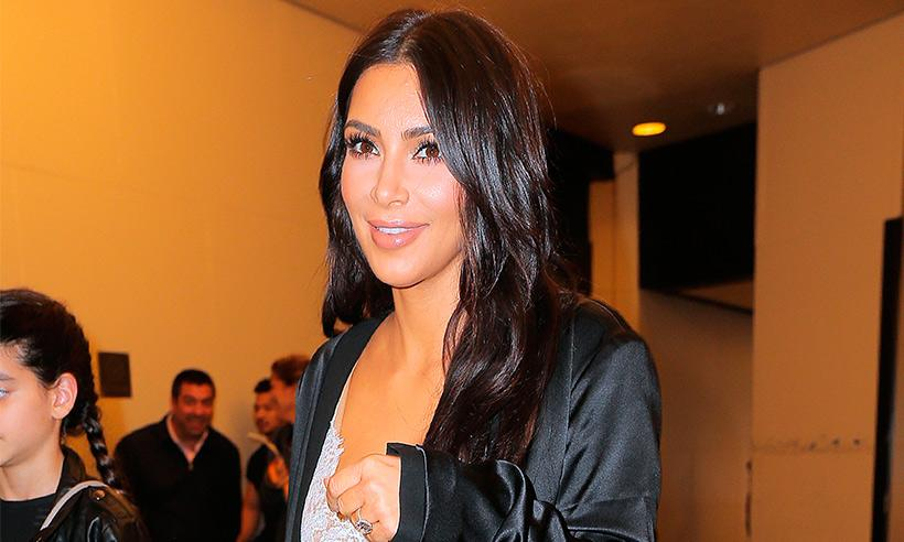 North West queda fascinada con el disfraz de sirena de Kim Kardashian