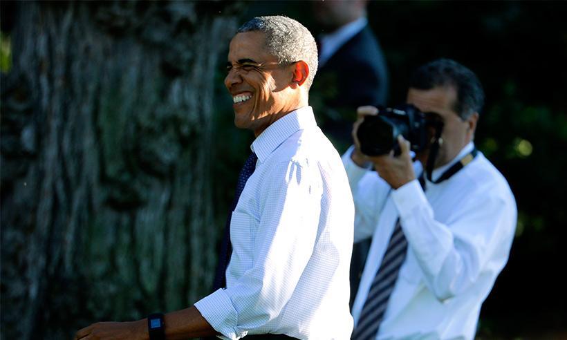 """Obama felicita a los jugadores de Cleveland y les da un consejo: """"Pónganse camisa"""""""