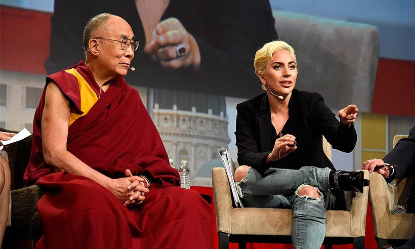 Lady Gaga se reúne con el Dalái Lama