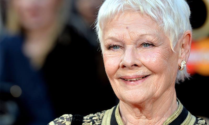 Con 81 años, Dame Judi Dench se hizo un nuevo tatuaje