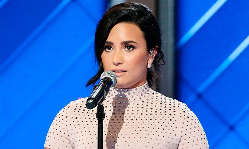 Demi Lovato se sincera durante emotivo discurso: 'Estoy viviendo con una enfermedad mental'