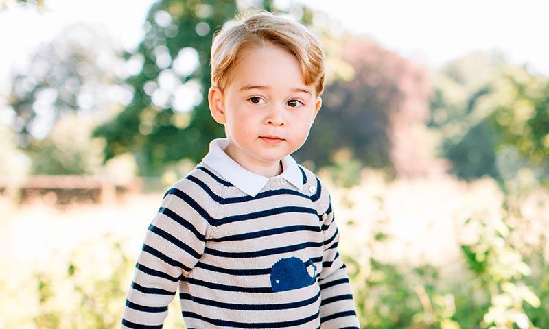El Príncipe George es todo un caballerito