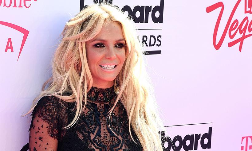 Britney Spears revela haber estado al borde de la muerte mientras vacacionaba en Hawái