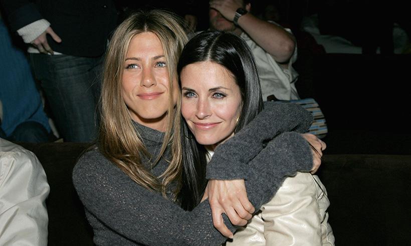Courteney Cox defiende a Jennifer Aniston en el caso Jolie-Pitt