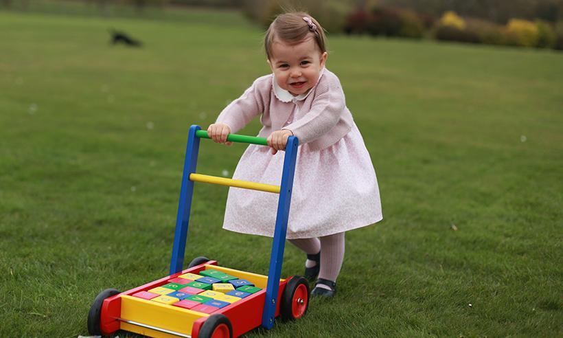 El Principe William revela cuál es el deporte en que la Princesa Charlotte ha mostrado talento