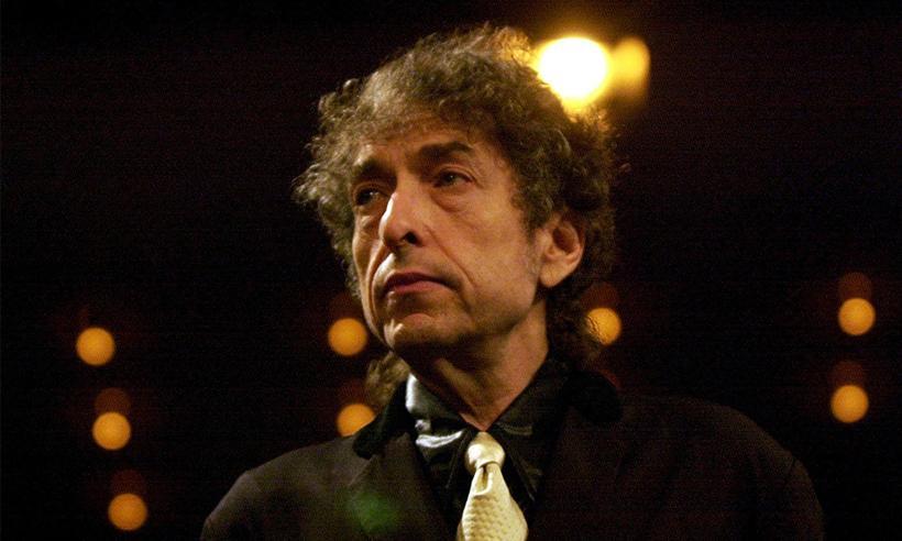 La Academia Sueca ya no buscará a Bob Dylan tras numerosos intentos para entregarle el Nobel