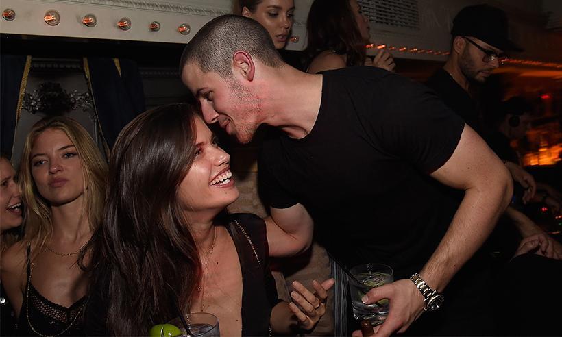 Nick Jonas y su coqueteo con la modelo Sara Sampaio