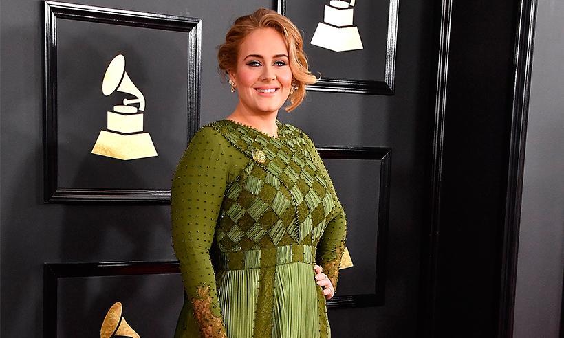 Adele confirma que está casada con Simon Konecki durante su discurso en los Grammys