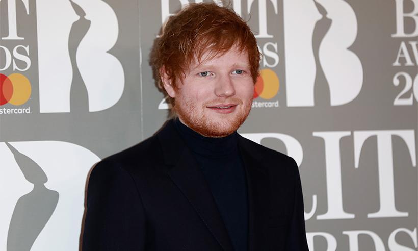 ¡Todo un caballero! El increíble detalle de Ed Sheeran con su novia al verla en aprietos