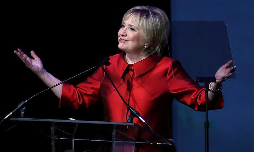 Hillary Clinton se renueva y estrena corte de cabello