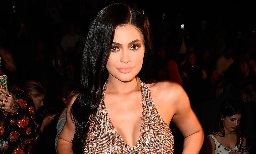 ¡Sorpresa! Kylie Jenner se convierte en la pareja de un estudiante que no tenía acompañante para su graduación