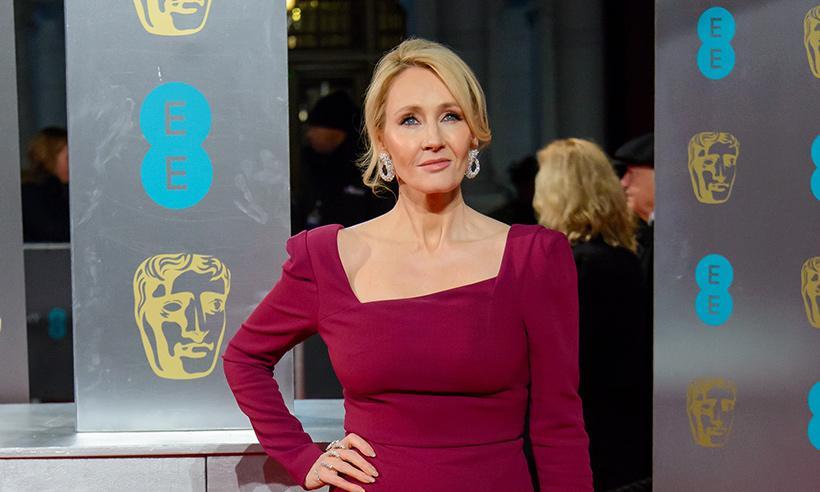 J. K. Rowling pide ayuda a sus fans para recuperar manuscrito robado de Harry Potter