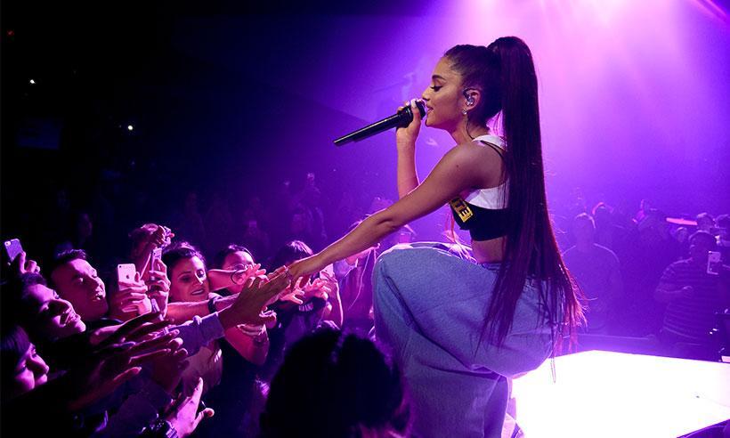 Ariana Grande promete regresar a Mánchester para realizar un concierto benéfico
