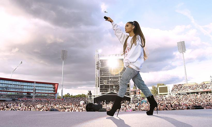 Ariana Grande rinde homenaje a la víctima más joven del atentado en Mánchester