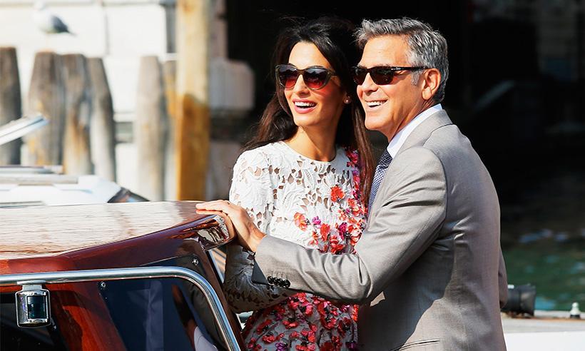 Geroge y Amal Clooney realizan su primer viaje familiar con sus gemelos