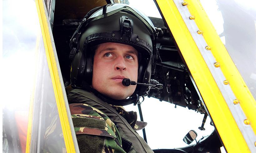 El Príncipe William se prepara para su último vuelo como piloto de rescate