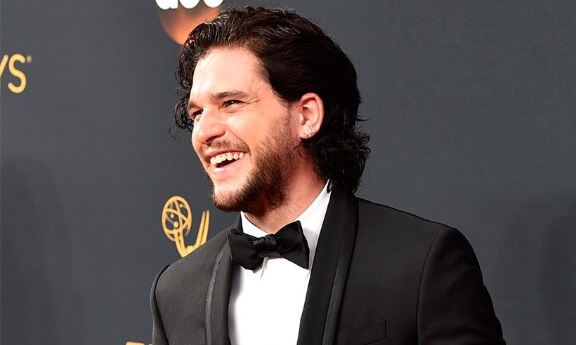 Kit Harington y su divertida imitación de un dragón en el set de Game of Thrones