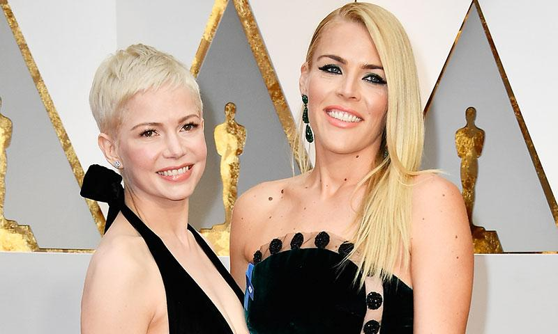 Busy Philipps viajó a consolar a Michelle Williams en el décimo aniversario de la muerte de Heath Ledger