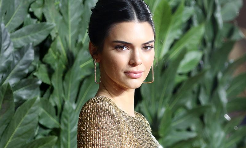 Kendall Jenner celebra en MacDonald's después de asistir a los British Fashion Awards