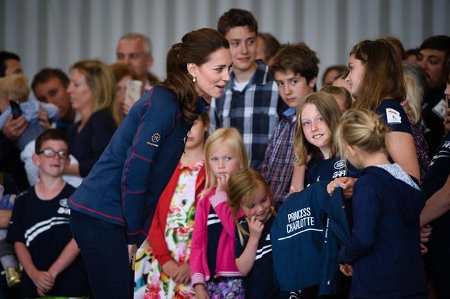 Kate Middleton revela que el Príncipe George de Cambridge cree que tiene tres años de edad