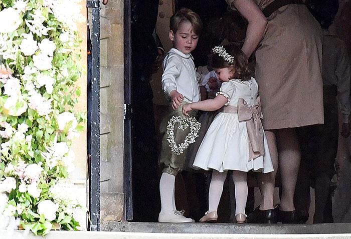 La Duquesa de Cambridge a cargo de los pajes más tiernos, George y Charlotte