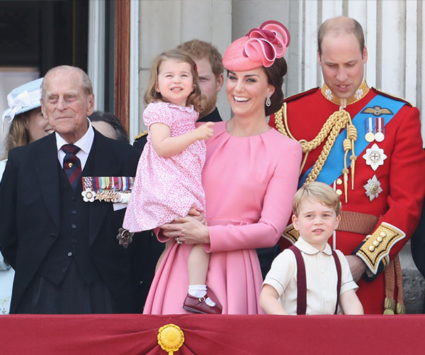 kate-trooping-colour-vestido2