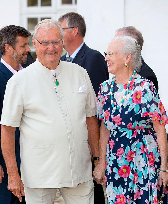Después de la polémica por sus comentarios, el Príncipe Henrik ha sido hospitalizado