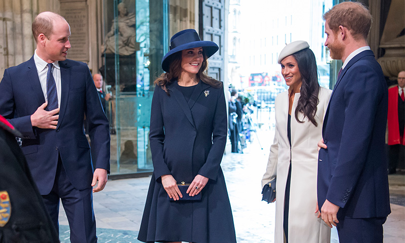 Las sutiles diferencias entre las invitaciones de Meghan y Harry y las de Kate y William