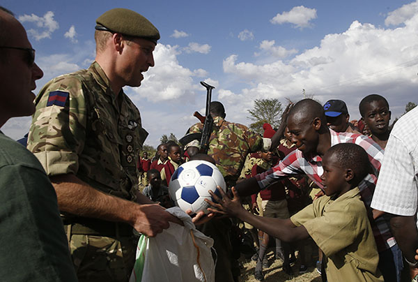 principe-william-balones-kenya-ninios
