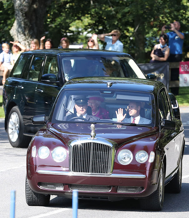 prince-william-waves-arrival-2