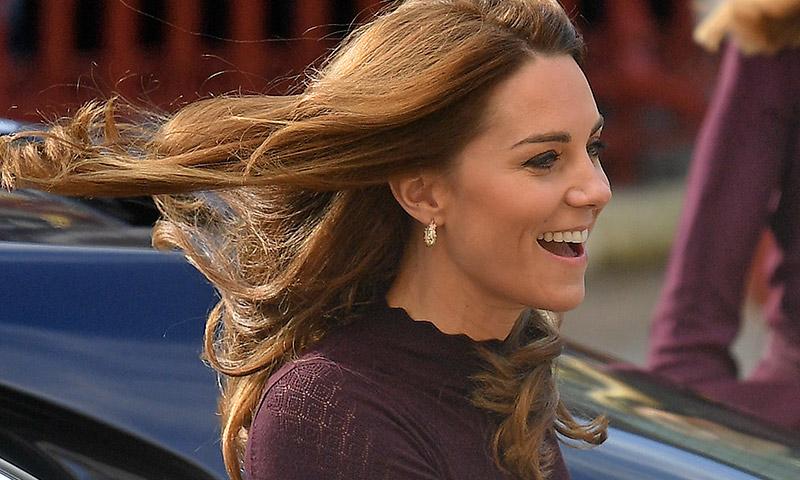 Kate vuelve a triunfar con la prenda favorita de las royals