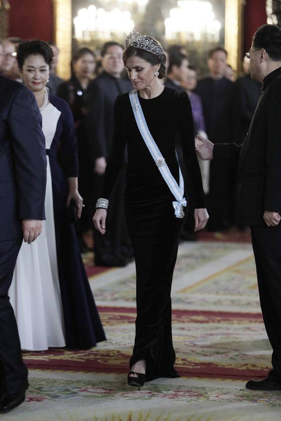 tiara-perfil-a.jpg