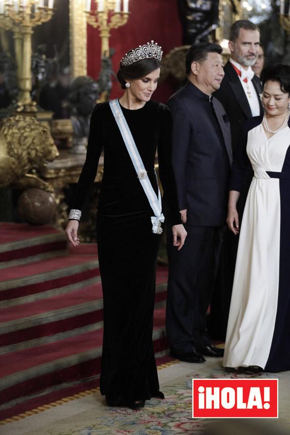 tiara4-a.jpg