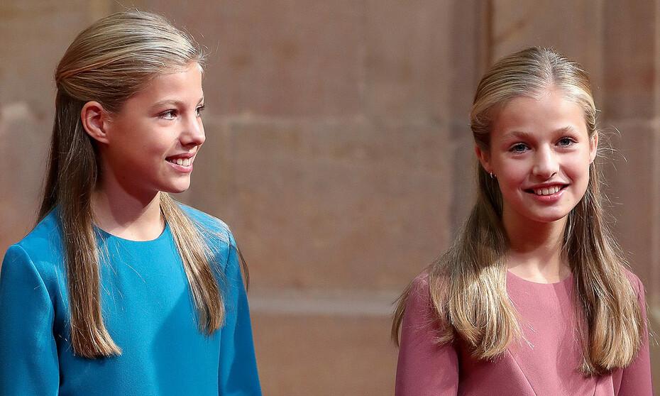 La princesa Leonor y la infanta Sofía, durante los Premios Princesa de Asturias