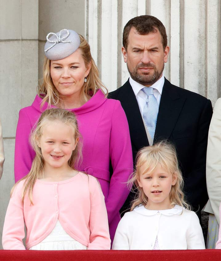 Peter y Autumn Phillips con sus hijas