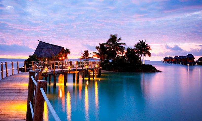 Durmiendo sobre el agua en estos hoteles con palafitos for Hoteles en el agua maldivas