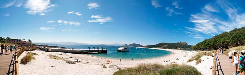 playa-de-rodas-islas-cies-pontevedra-barcos