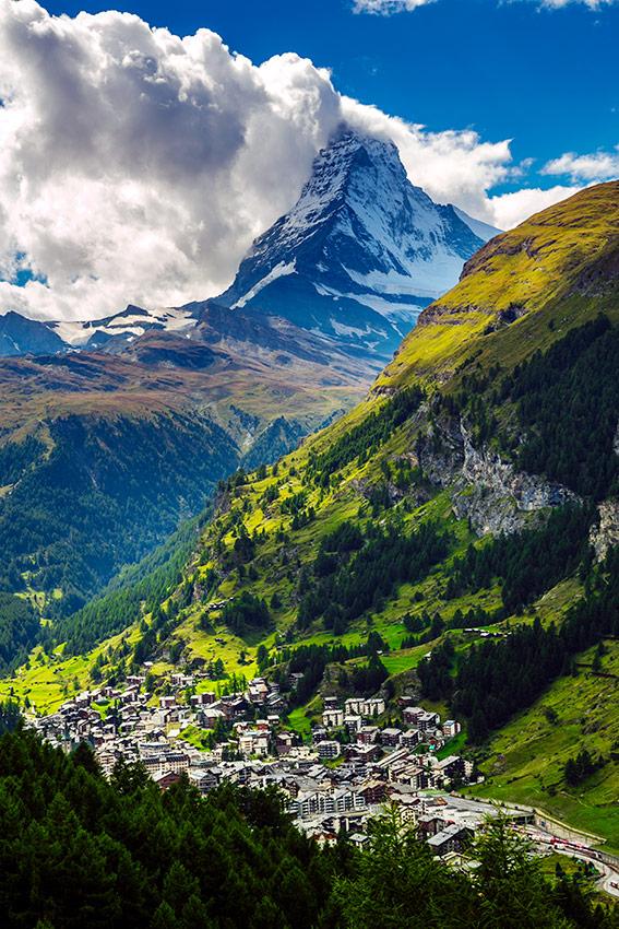 zermatt  un pueblo con mucho glamour en los alpes suizos